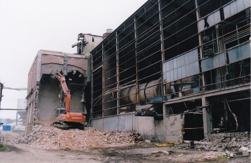 Bild4345 Rivning av Cementfabriken Hällekis