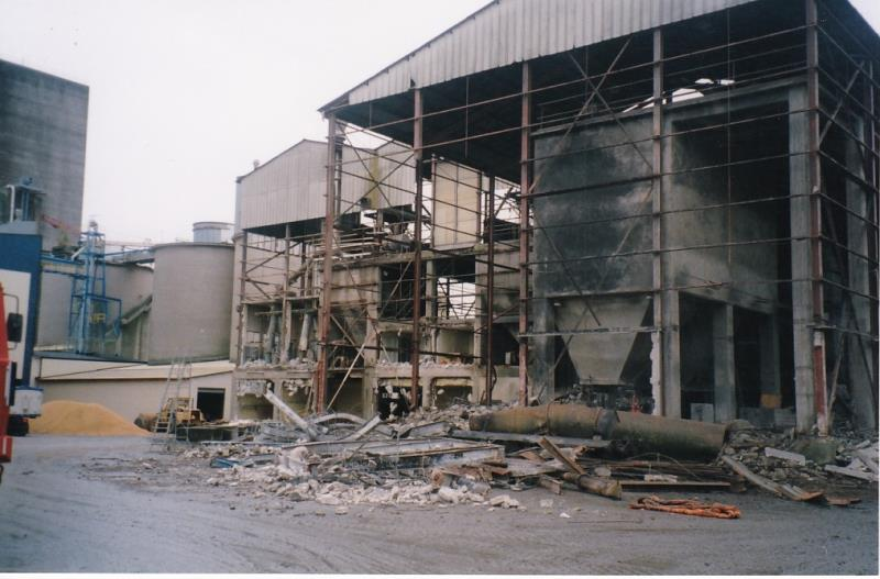 Bild4350 Rivning av Cementfabriken Hällekis