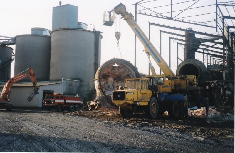 Bild4375 Rivning av Cementfabriken Hällekis