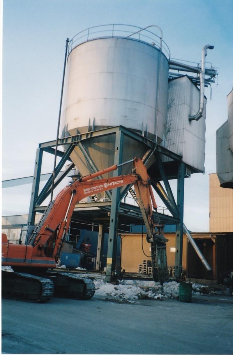 Bild4380 Rivning av Cementfabriken Hällekis