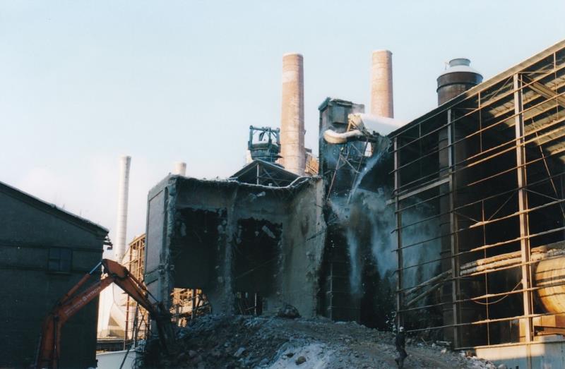Bild4387 Rivning av Cementfabriken Hällekis