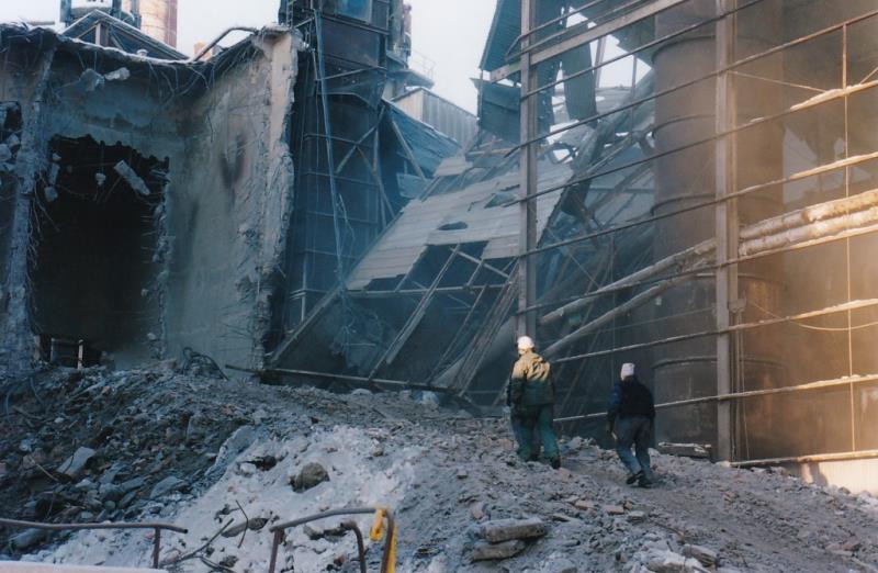 Bild4389 Rivning av Cementfabriken Hällekis