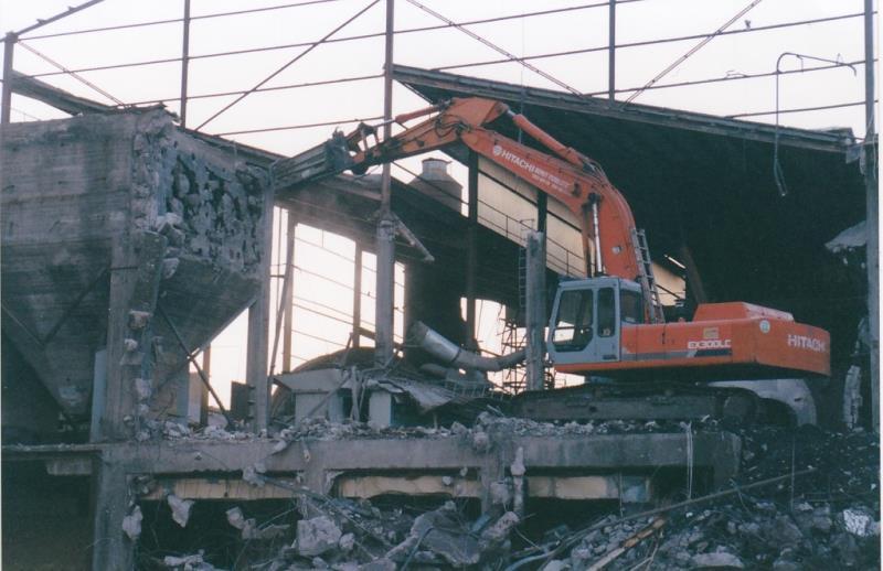 Bild4393 Rivning av Cementfabriken Hällekis