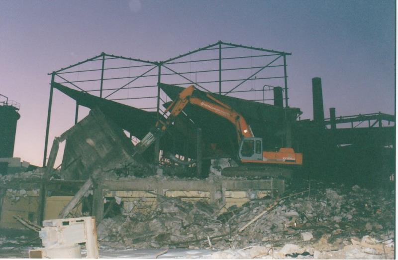 Bild4394 Rivning av Cementfabriken Hällekis