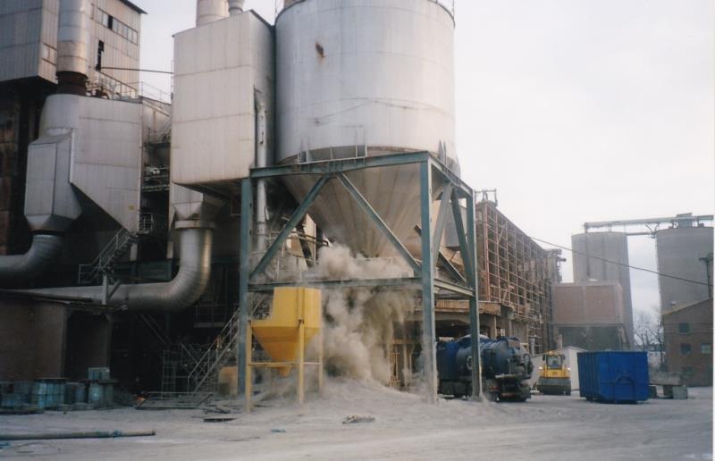 Bild4404 Rivning av Cementfabriken Hällekis
