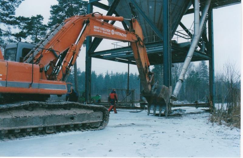 Bild4415 Rivning av Cementfabriken Hällekis
