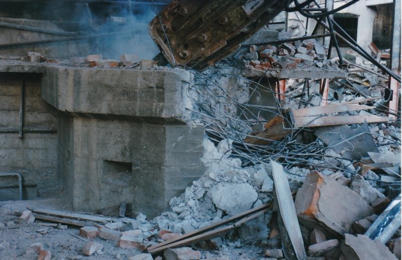 Bild4422 Rivning av Cementfabriken Hällekis