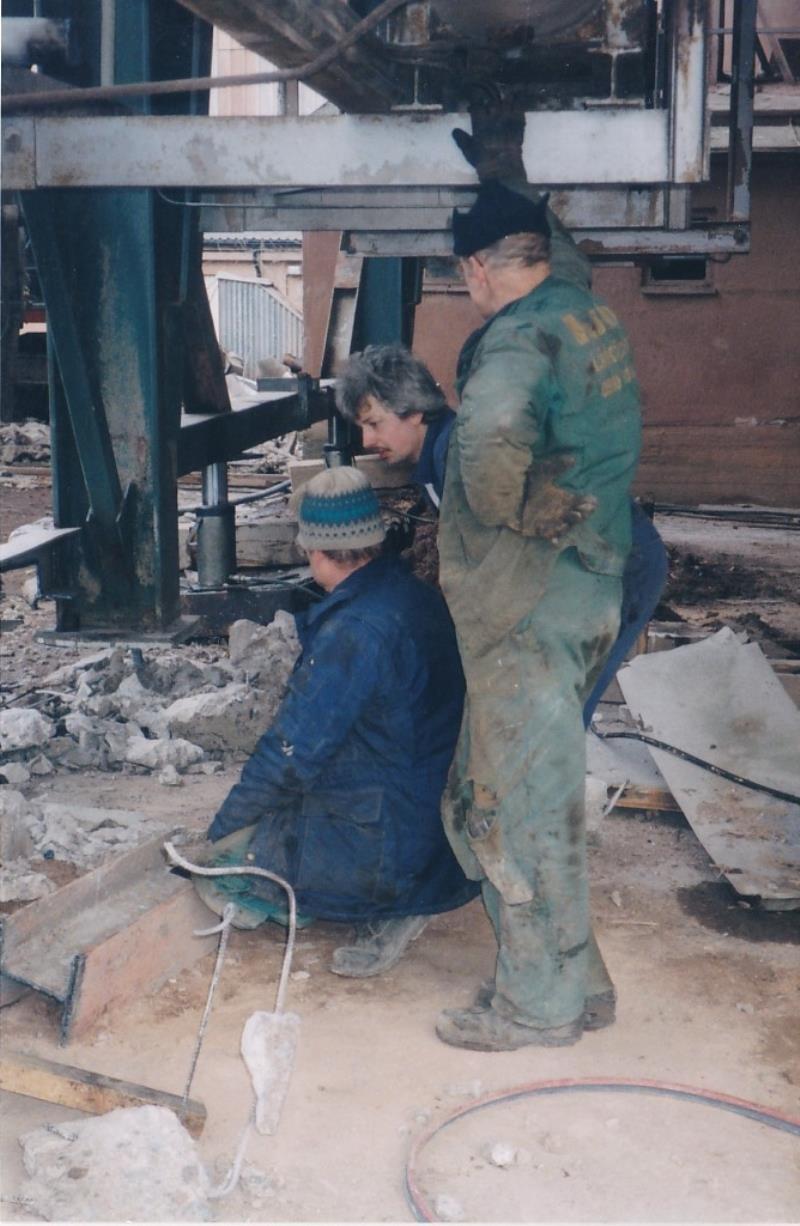 Bild4427 Rivning av Cementfabriken Hällekis