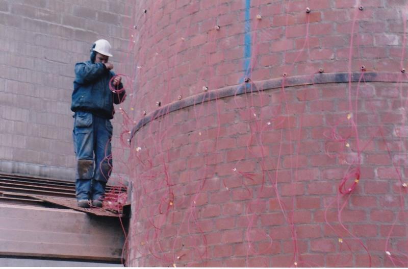Bild4444 Rivning av Cementfabriken Hällekis