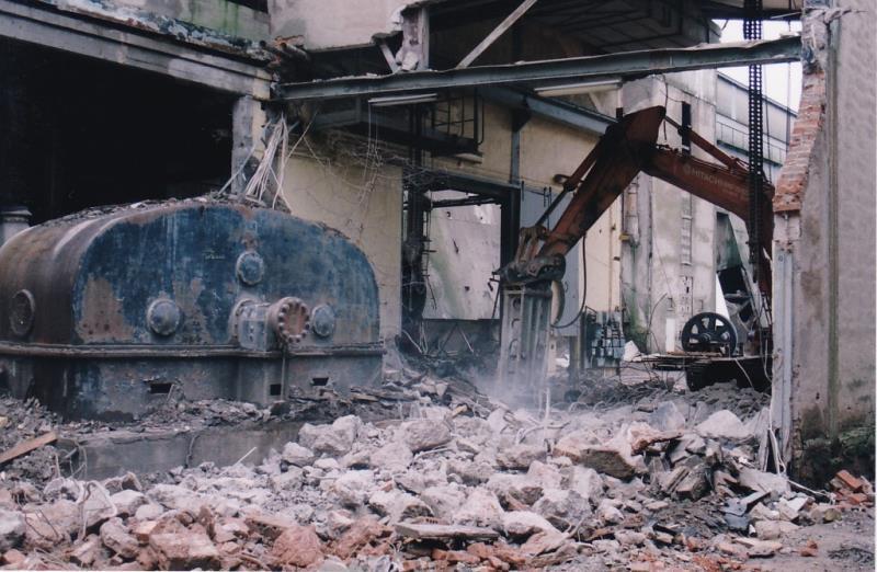 Bild4446 Rivning av Cementfabriken Hällekis