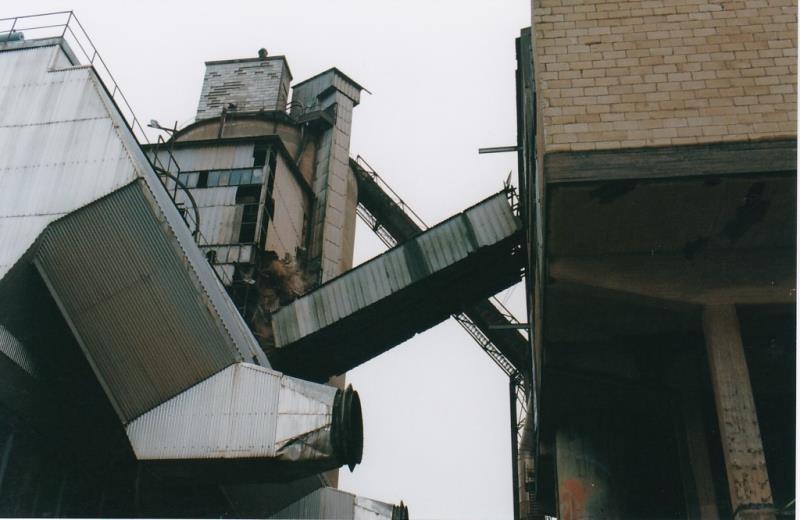 Bild4450 Rivning av Cementfabriken Hällekis