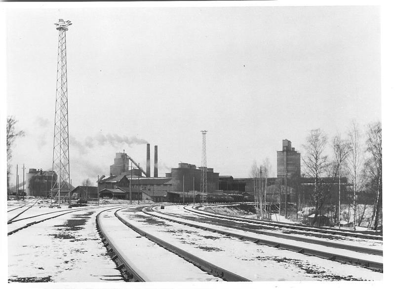 Bild4629 Cementfabriken Cementsilos och utlastning