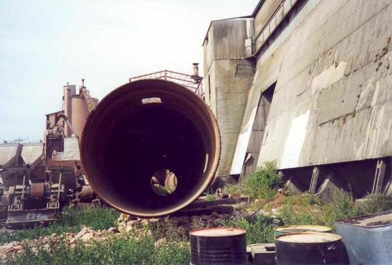 Bild3940 Rivning av Cementfabriken Hällekis
