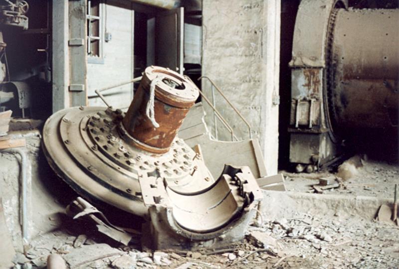 Bild3954 Rivning av Cementfabriken Hällekis