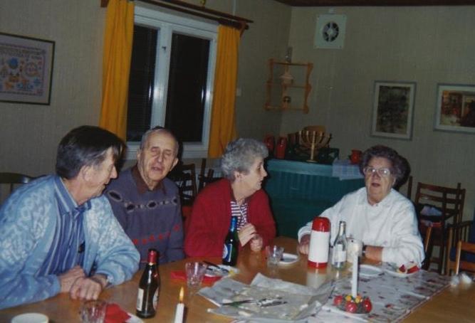 Bild3238 Pensionärer från Hällekis på 1980-talet