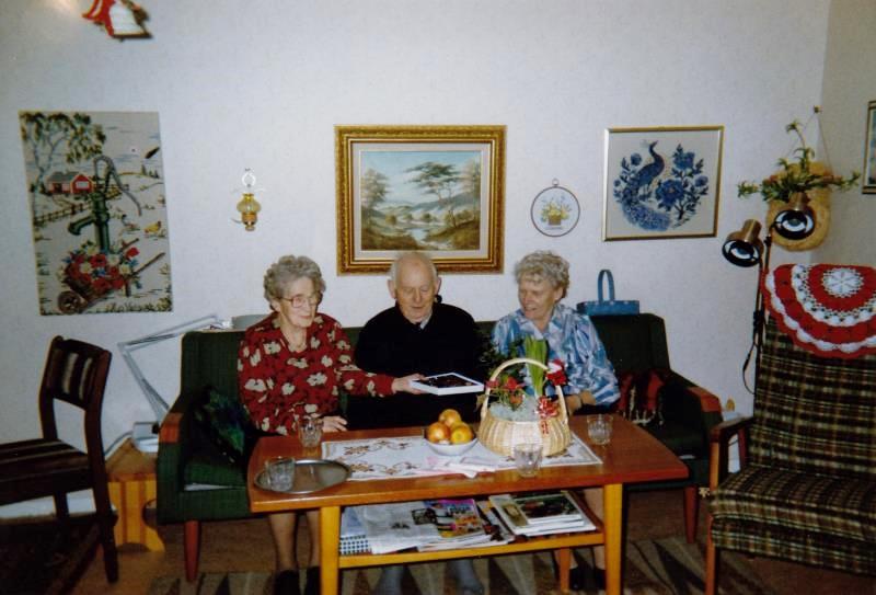 Bild3257 Pensionärer från Hällekis på 1980-talet