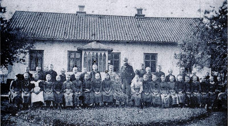 Bild 0177 Medelplana Skola 1897-98 Skolan var i Bygdegården