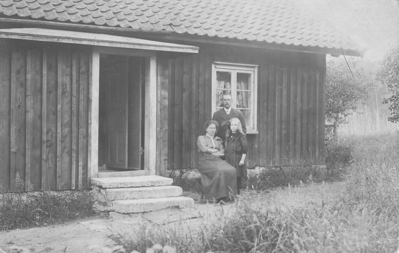 Bild173 Nubben Gerda,Emil och Edit Svantesson