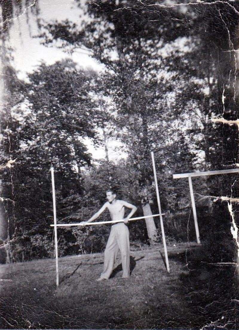 Bild5967 Ingvar Ljungberg tränar höjdhopp i Stakeklev Hällekis