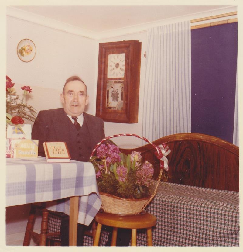 Bild5982 Skoghem 1961. Anton Lind fyller 70 år.
