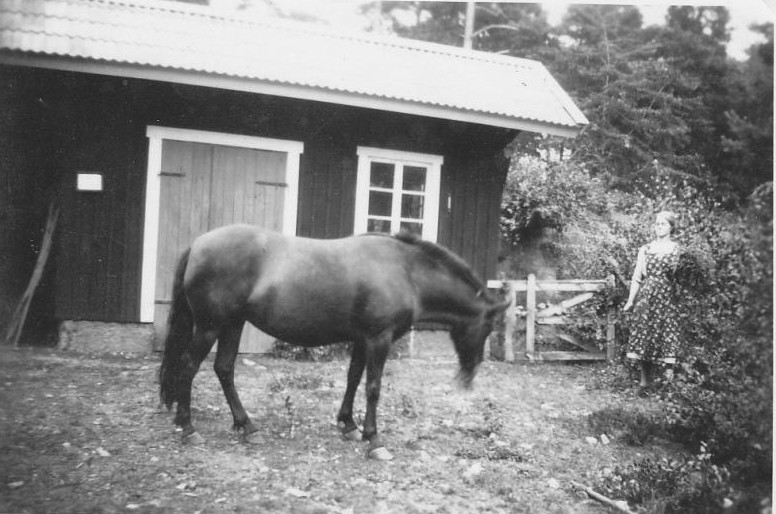 Bild986 Smedjan Aug. 1942 Hellekis Hamn
