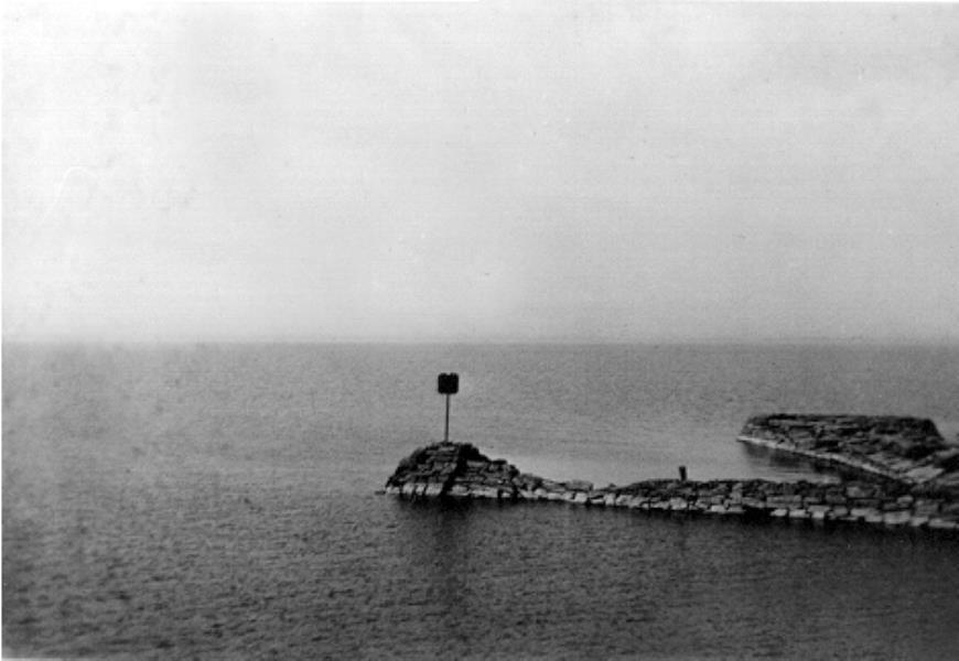Bild 083 Råbäck, piren i hamnen