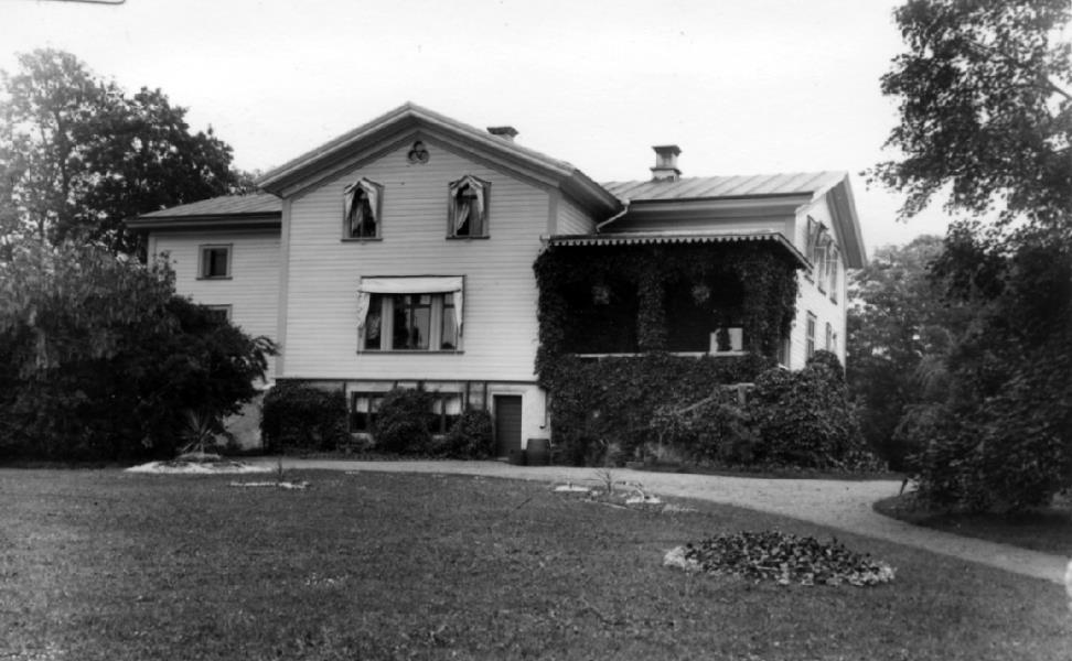Bild 4713 Hjelmsäters Egendom Medelplana
