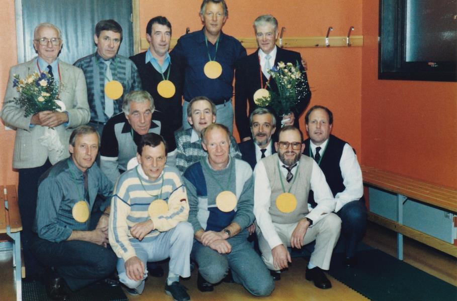 Bild6021 Hällekis IF Firar Nils Cardesjö 25 år som lagledare 1985