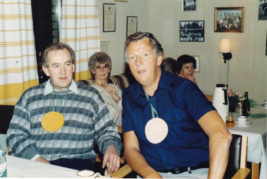 Bild6022 Hällekis IF Firar Nils Cardesjö 25 år som lagledare 1985