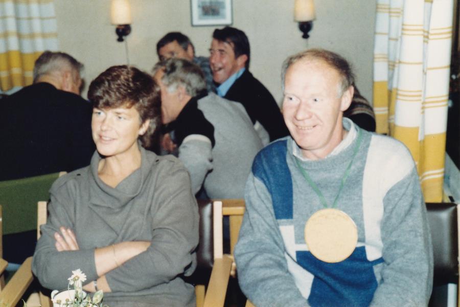 Bild6026 Hällekis IF Firar Nils Cardesjö 25 år som lagledare 1985