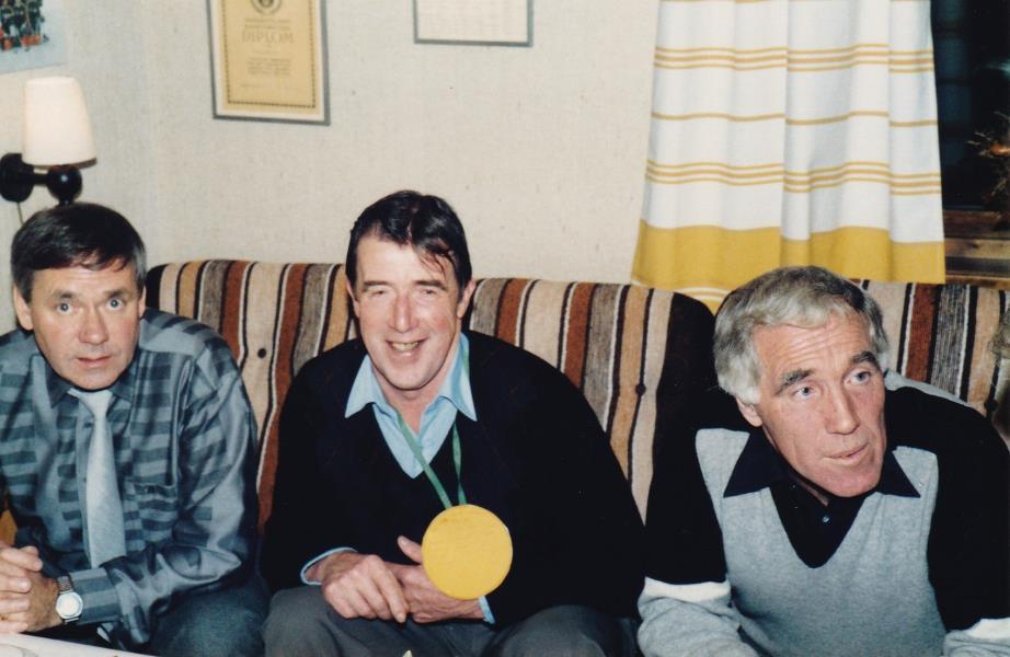 Bild6028 Hällekis IF Firar Nils Cardesjö 25 år som lagledare 1985