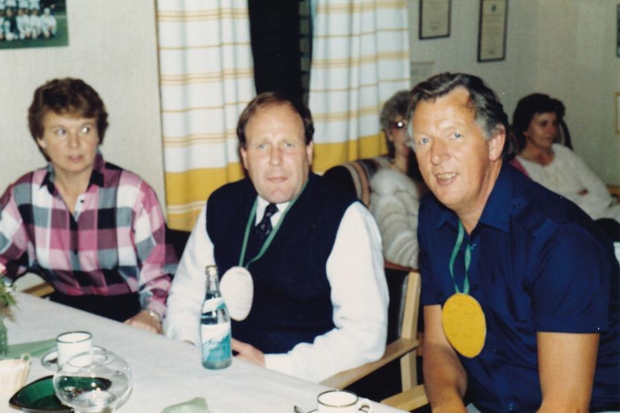 Bild6032 Hällekis IF Firar Nils Cardesjö 25 år som lagledare 1985